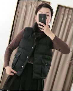 大口袋鈕扣輕巧淨色保暖棉服背心- 2091A #限時優惠6折:HK$96#  優惠碼: -40OFF
