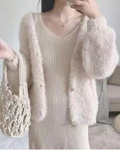 【新品】 可愛淨色毛絨短外套 - 3953A  #全店新品4件起75折:HK$173 #