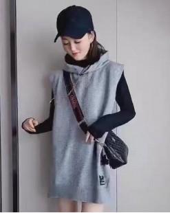 【新品】圓領凈色上衣+連帽字母抽繩衛衣兩件套-4114A #全店新品4件起75折:HK$180#