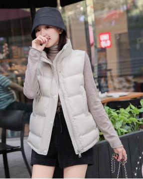 【新品】立領淨色口袋高領背心外套 - 4144A #全店新品4件起75折:HK$150 #