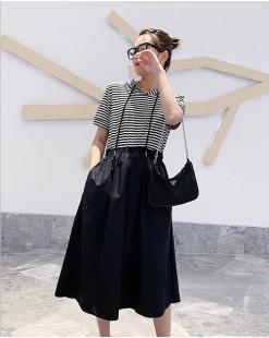 【新品】橫條拼接短袖連身裙 - 4724A #全店新品4件起75折優惠碼 : -25OFF (HK$150)