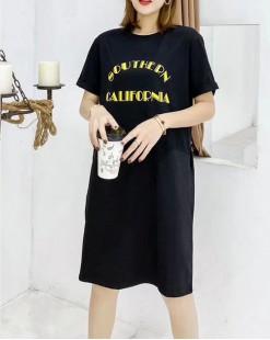 T Shirt年度勁減 任選2件即時8折優惠碼:CS220 (HK$96)  - 彩色英文短袖純棉長Tee - 4920A